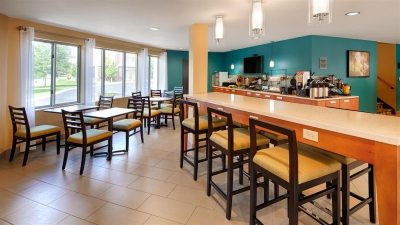 The first floor lobby was reconfigured to provide room for the breakfast buffet and guest lounge space
