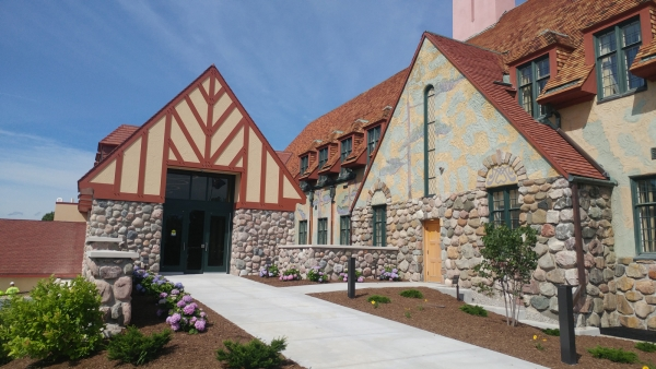 New Main Street Courthouse Entrance
